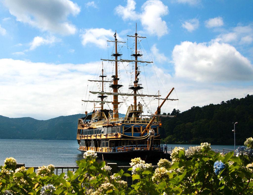 Hakone, nave pirata sul lago Ashinoko, Giappone